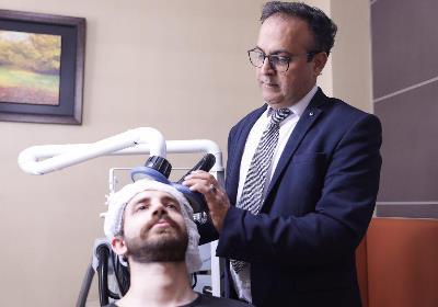 تحریک مغناطیسی مغز | کاربردها، عوارض و نتیجه درمان