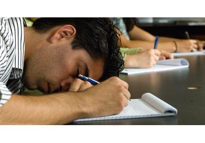 در مقاله زیر توضیحاتی در مورد اهمیت بهداشت خواب برروی آموزش دانشجویان و کنکوریها برای خوانندگان محترم سایت توسط دکتر ندا فرزانه بیان شده است.