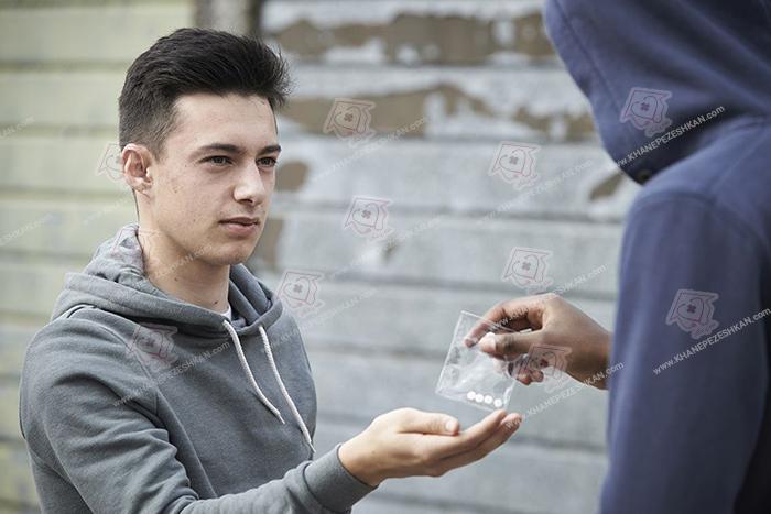 نشانه های اعتیاد نوجوانان